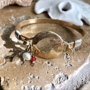 Jewelry - Fish Coral Ocean Beach Gold Charm Bangle Bracelet